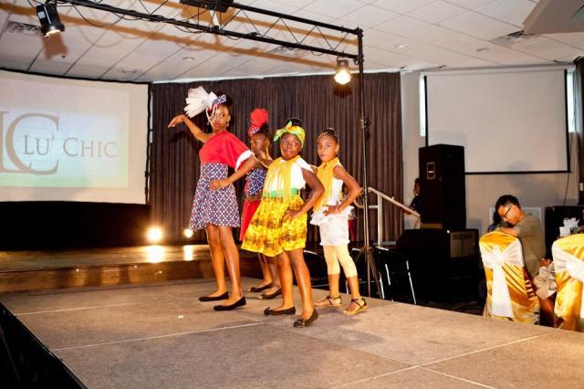 girlsinafricanattireatMania